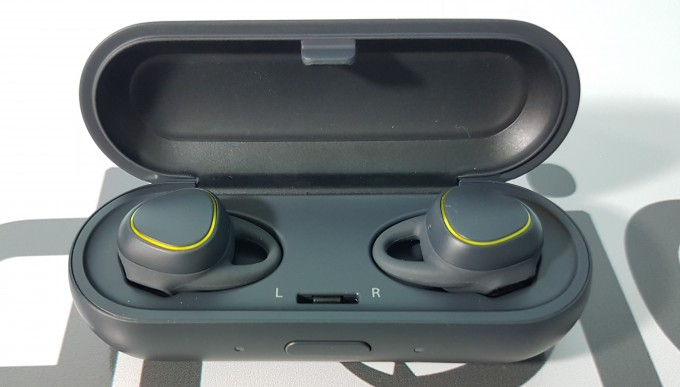 Review Samsung Gear IconX gear featured-review samsung audio