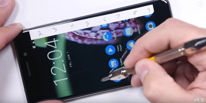 Nokia 6 a fost supus testelor de rezistență: zgâriere, ardere și îndoire bend nokia