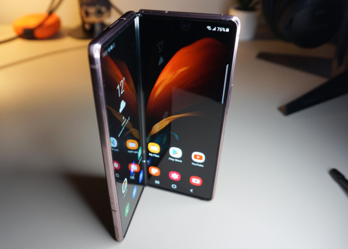 Review Samsung Galaxy Z Fold2 fold featured-review samsung