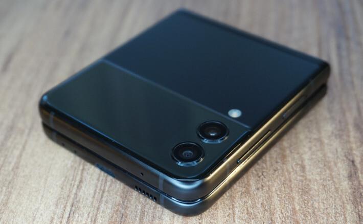 Review Samsung Galaxy Z Flip3 5G zflip3 orange galaxy featured-review