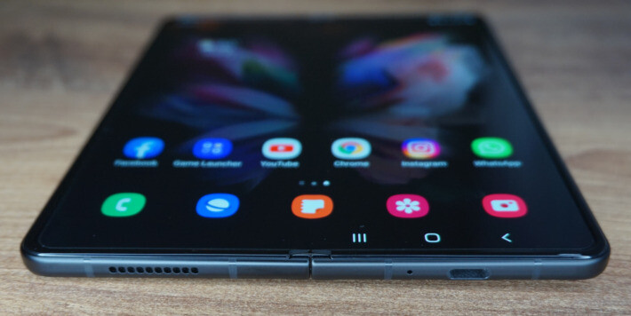 Review Samsung Galaxy Z Fold3 5G zfold samsung orange featured-review